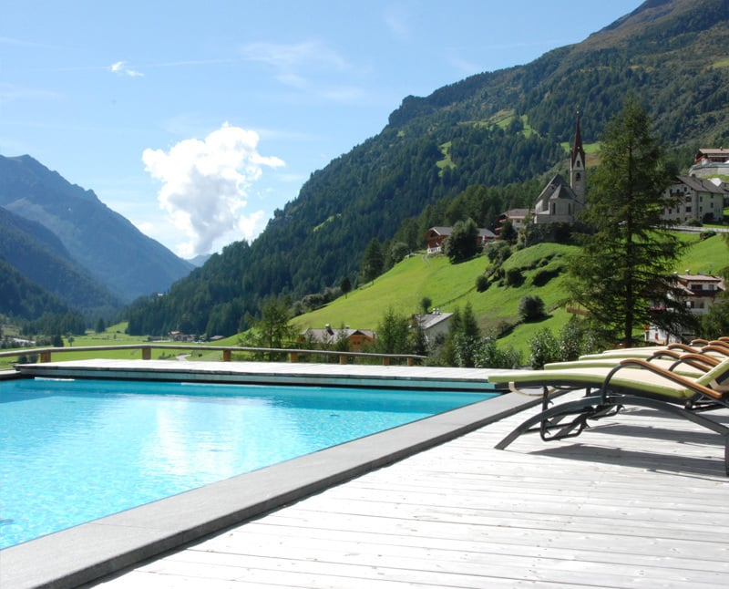 Hotel In Valle Aurina Con Piscina