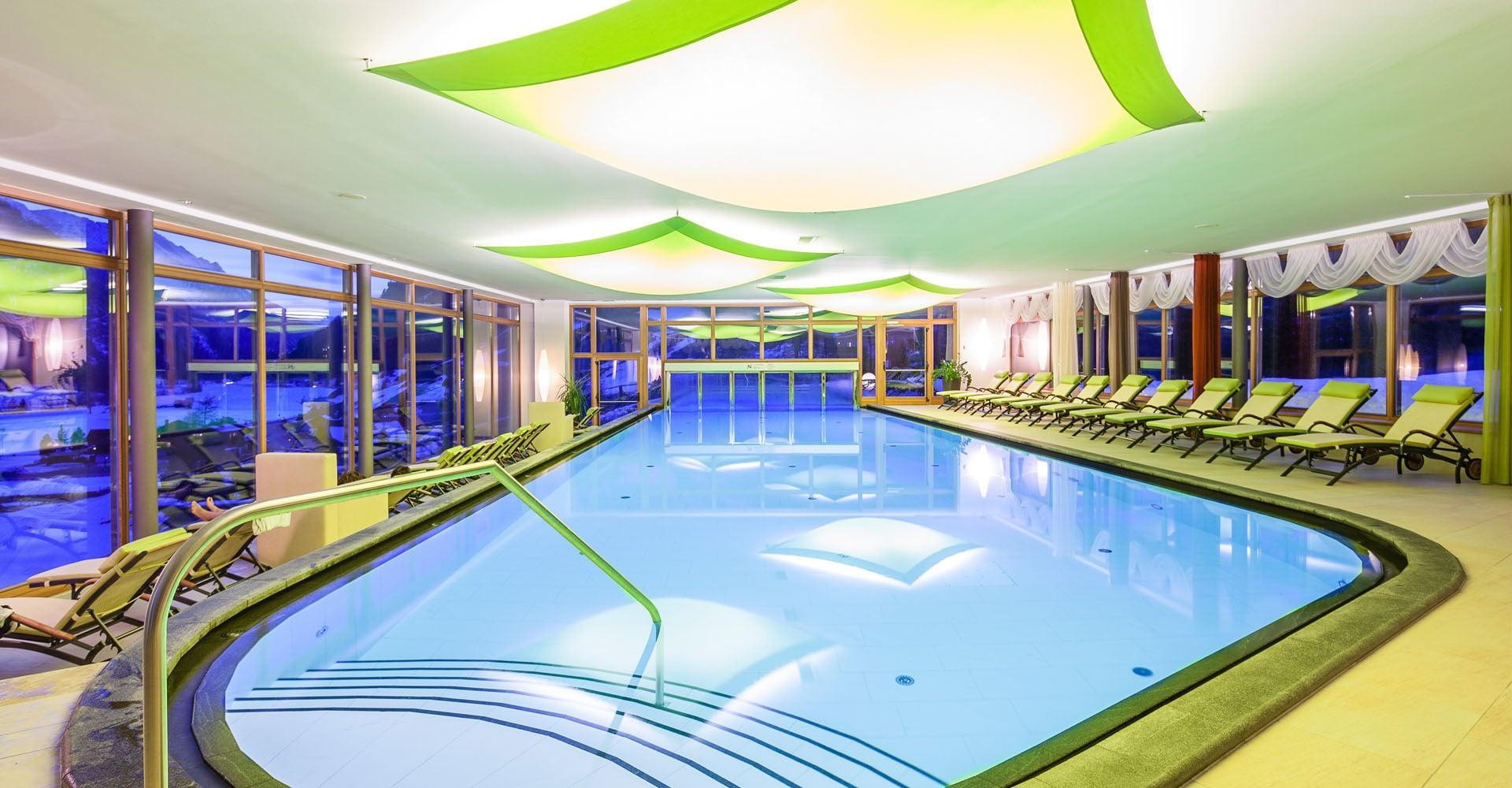 Albergo benessere val pusteriea trentino con centro benessere - Hotel montagna con piscina esterna riscaldata ...
